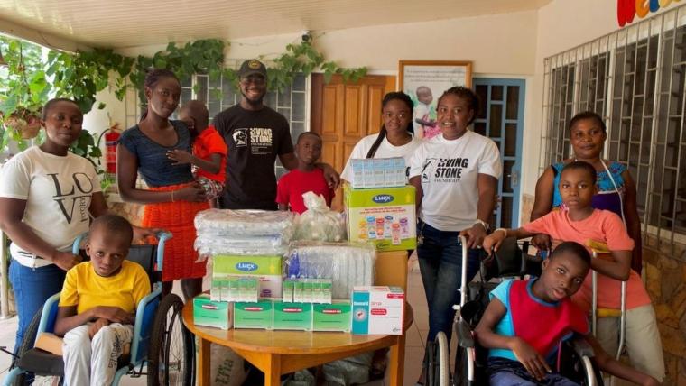 Stonebwoy donates to Orthopedic Training Centre