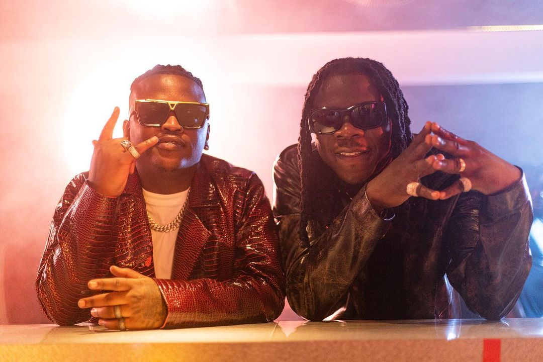 """Stonebwoy, Focalistic serve a jubilant feel and tons of color in the official video of """"ARIBA"""""""